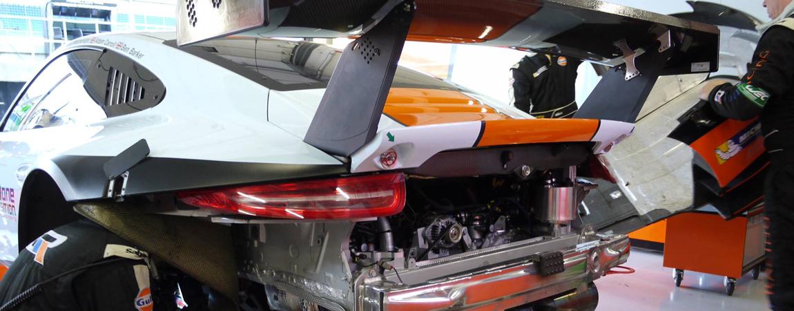 Der Motor des Porsche 911 RSR in der Box