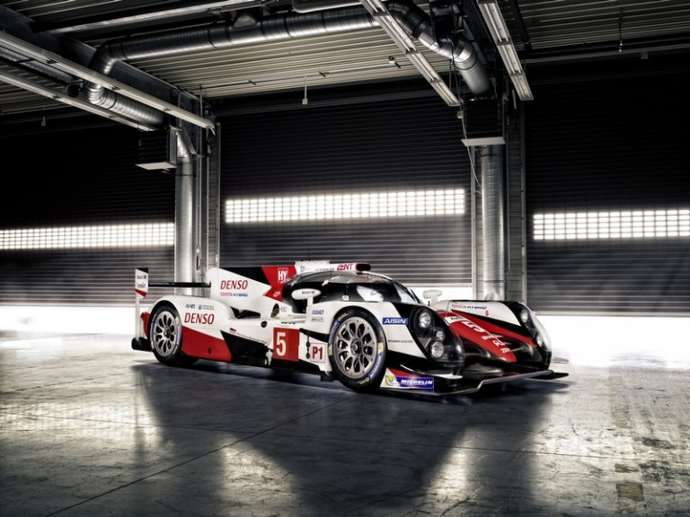 2016-Toyota-TS050-Launch-768x576