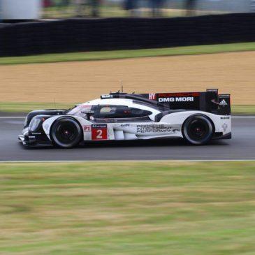 Le Mans: Porsche setzt Zeichen im Training