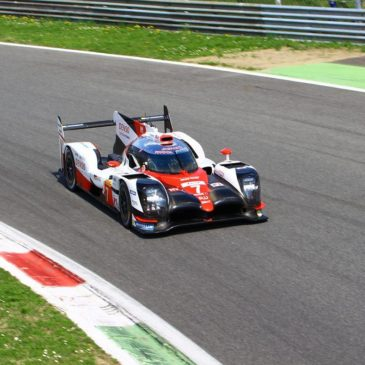 Toyota mit deutlichem Abstand zum Porsche Team