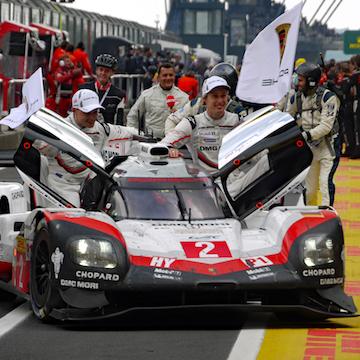Porsche macht Nürburgring-Hattrick komplett
