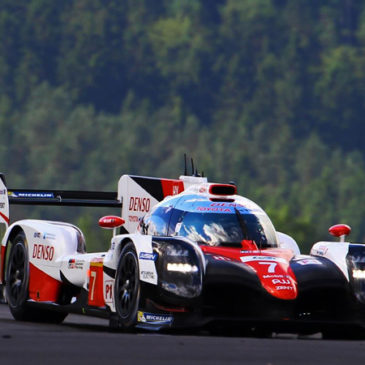 Toyota im dritten Training an der Spitze