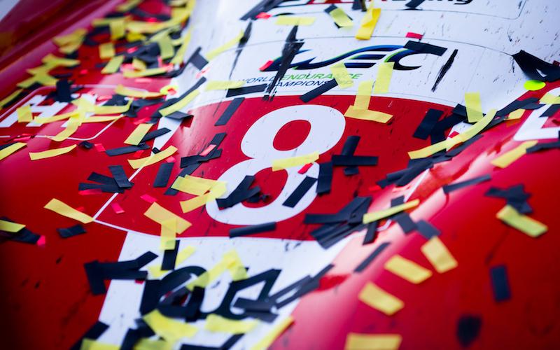 Der Toyota #8 gewinnt die 24 Stunden von Le Mans