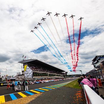 Porsche und Toyota in Le Mans an der Spitze