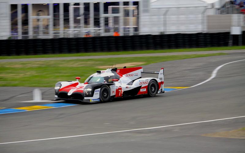 Toyota führt die LMP1-Klasse in Le Mans an