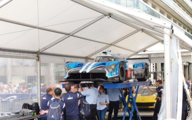 Das Abnahmezelt im Herzen von Le Mans