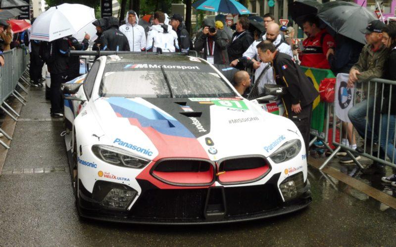 Der neue BMW M8 GTE kur vor der Abnahme