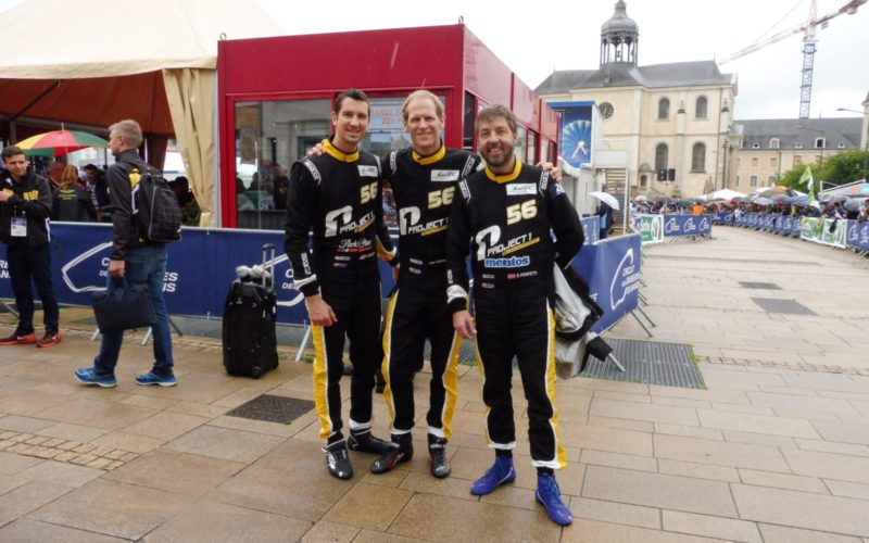 Die Fahrer vom Team Project 1 Motorsport