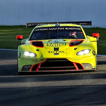 Startreihe eins für Aston Martin und Toyota
