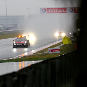 Toyota gewinnt das Regenrennen in Shanghai