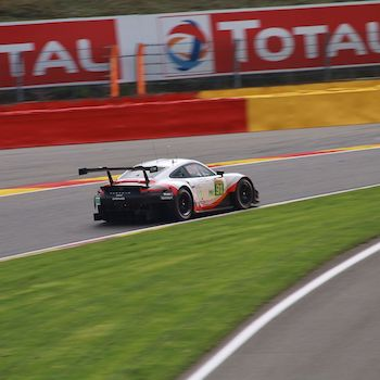 Porsche im Freien Training in Spa