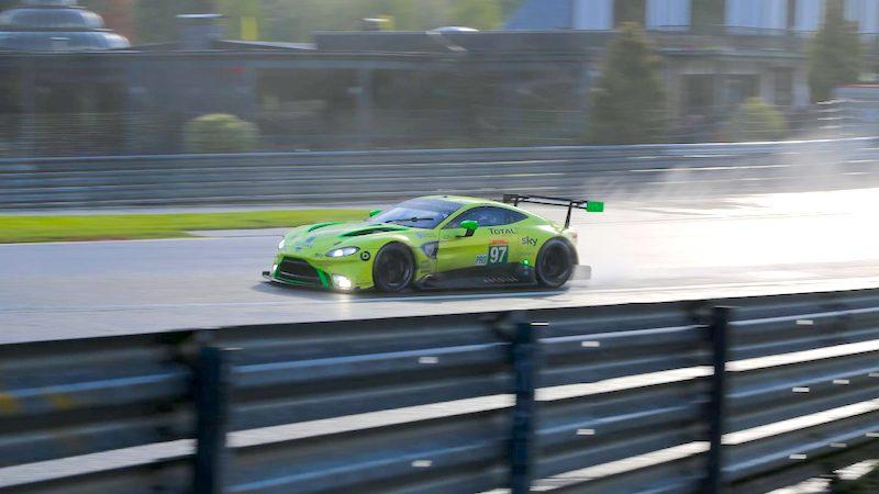 Aston Martin auf dem Weg zum Sieg in Spa