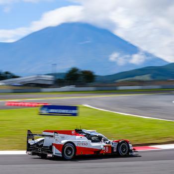 Doppelsieg für Toyota beim Heimspiel